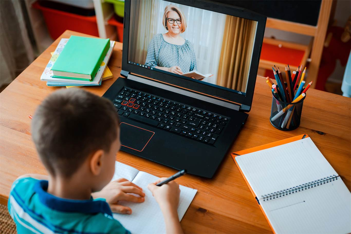 Elementary online instruction begins